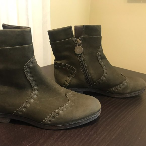 Geox green leather boots